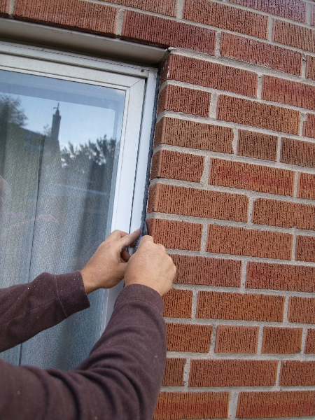 Toronto window and door caulking professional caulking toronto for Best exterior caulk for windows